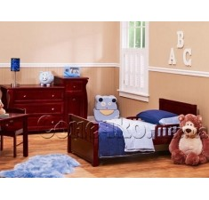 Строгая детская кровать с бортиками Джекки М